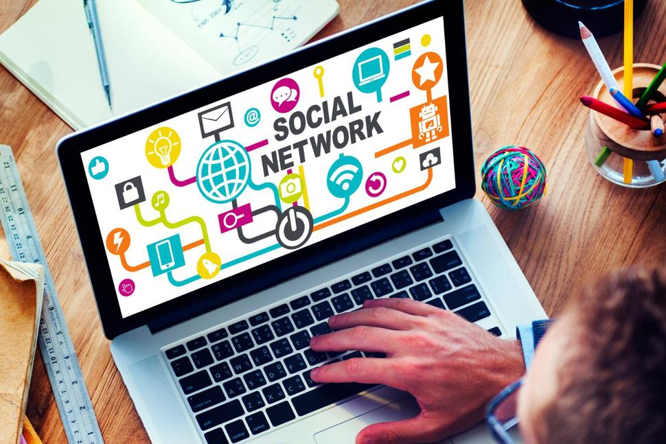 Does Your Business Need Social Media Agency for Growth?